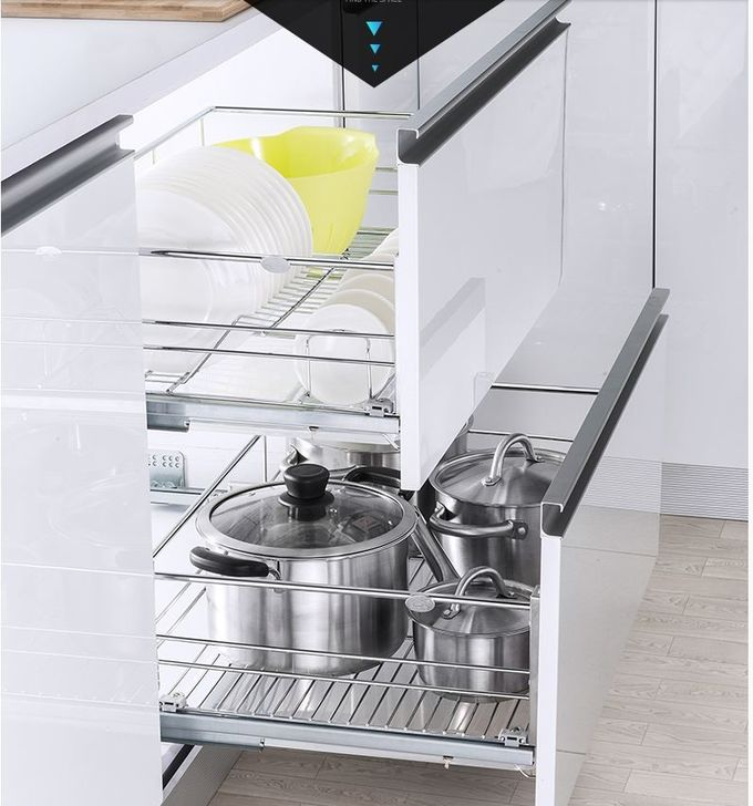 Profession Customized Pull Out Wire Baskets For Kitchen Units Integrated Silent System