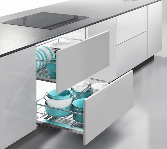 Chromed Kitchen Pull Out Basket Stable Structure Easy Access With Guide Mechanism